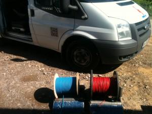 Schritt 4: Stromführende Kabel verlegen