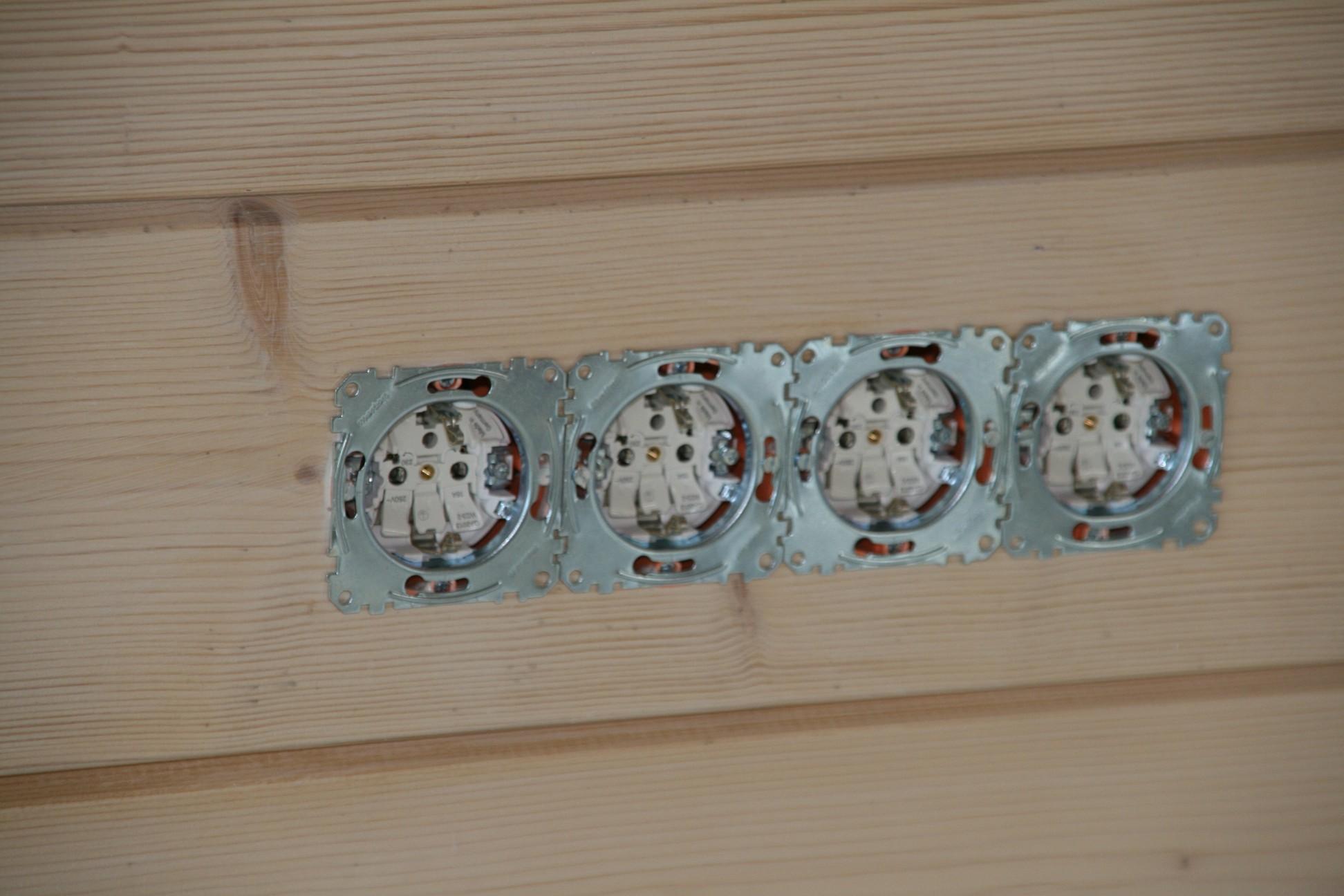 Gut gemocht Fliesenspiegel küche : Steckdose in holzwand einbauen XU76