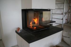 Das erste Feuer im Kamin
