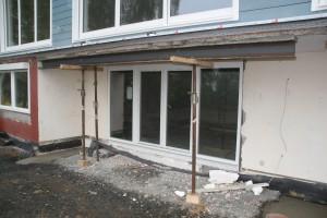 Bodentiefe Kellerfenster von außen