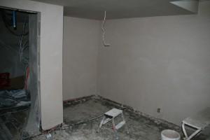 Neue Wände im Treppenhaus