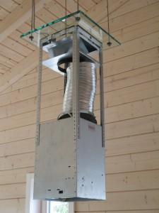 Befestigung der Abzugshaubenunterkonstruktion an der Glasplatte