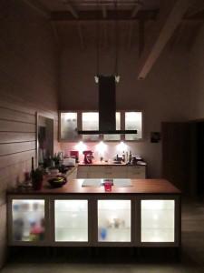 Fertige Küche in der Nachtansicht