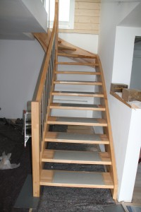 Die fertige Treppe in der Ansicht von unten